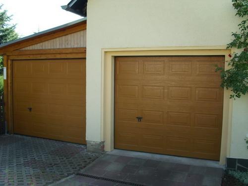 Sektionator ockerbraun in Carport und Haus
